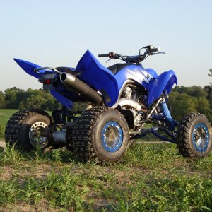 Raptor 700 On Hill With OMF Beadlocks 011